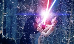 Rey y Kylo Ren pelean en Star: Wars Episodio VIII (2017)