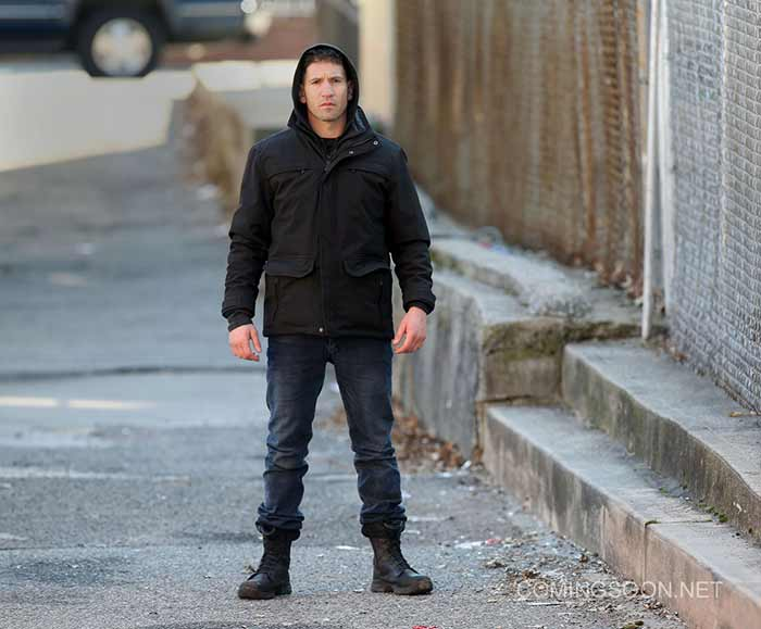 Jon Bernthal como Frank Castle en acción en la serie 'The Punisher' de Netflix