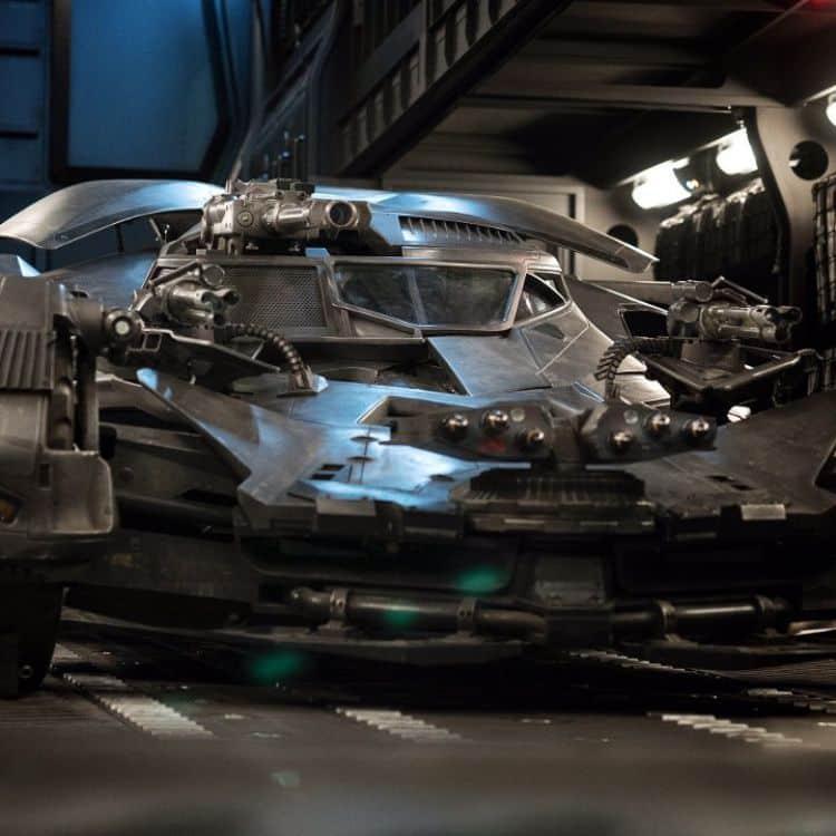El director Zack Snyder comparte image del mejorado batmovil en La liga de la justicia