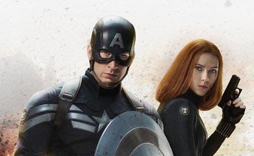 Capitán América junto a Viuda Negra. Capitán América. El soldado de invierno