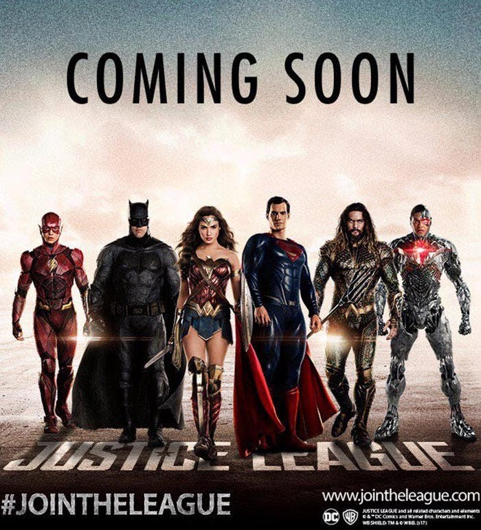 Primer póster oficial de la Liga de la Justicia con Superman en el grupo