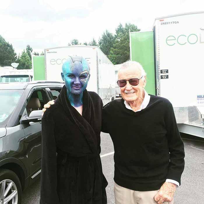 Pillan a Stan Lee con Nébula en el rodaje de 'Vengadores: Infinity War'