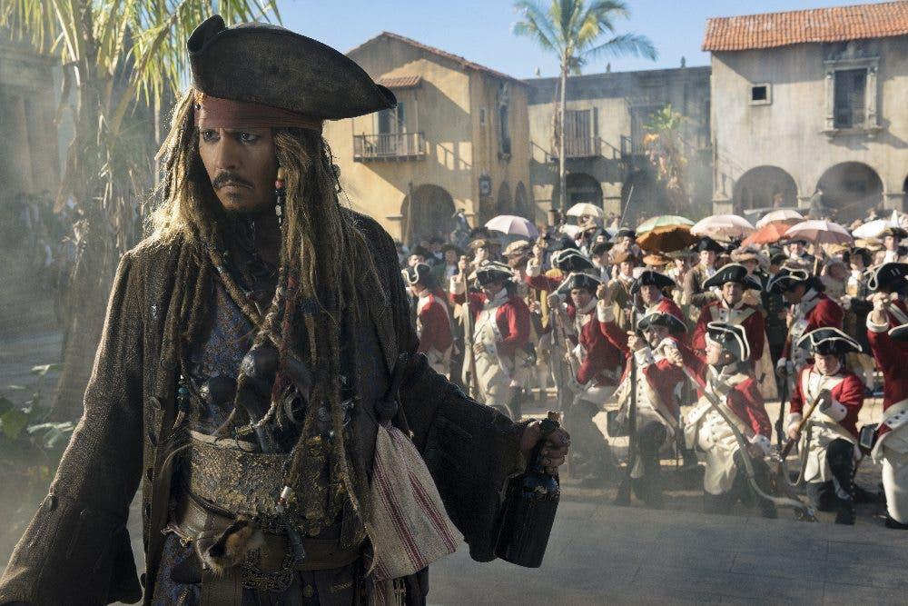 Johnny Depp es Jack Sparrow. Piratas del Caribe 5: La Maldición de Salazar película Disney