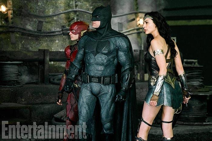 Batman, Wonder Woman y Flash en la Liga de la Justicia