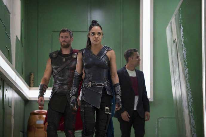 Thor: Ragnarok - Men in Black