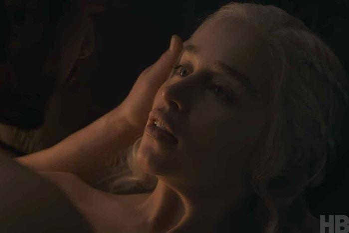 Escena de sexo entre Jon Nieve y Daenerys Targaryen - Juego de Tronos