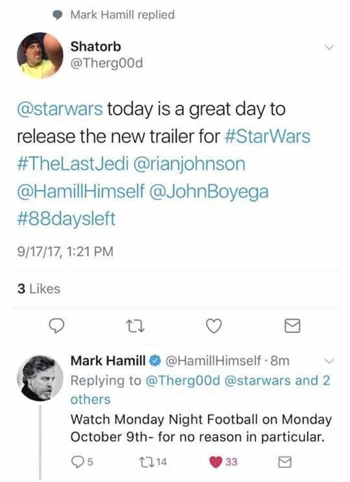 Mark Hamill habla con un fan de Star Wars: Los Últimos Jedi