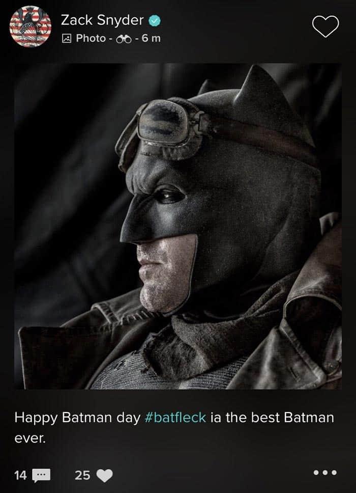 Zack Snyder celebrando el #BatmanDay