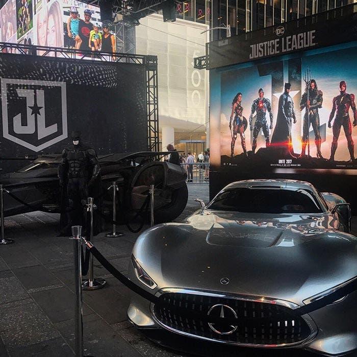 El coche de Bruce Wayne en la Liga de la Justicia (2017)