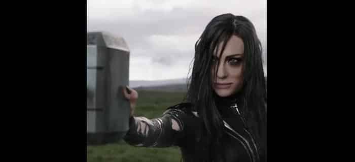 Escena del martillo en Thor: Ragnarok (2)