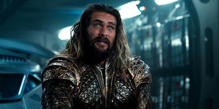 Jason Momoa es Aquaman en la Liga de la Justicia (2018)