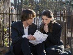 Jonathan y Nancy en Stranger Things (Netflix)