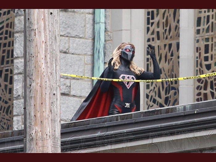 Supergirl Nazi en el crossover del Arrowverso