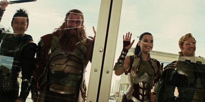 Los Tres Guerreros en Thor: Ragnarok (2017)