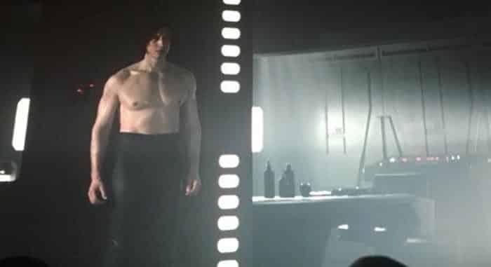 Kylo Ren desnudo en Star Wars: Los Últimos Jedi (2017)