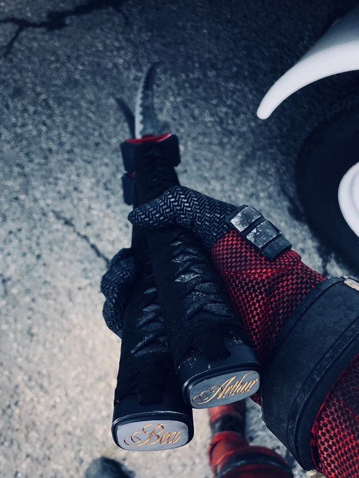 Imagen de Deadpool 2 con las katanas