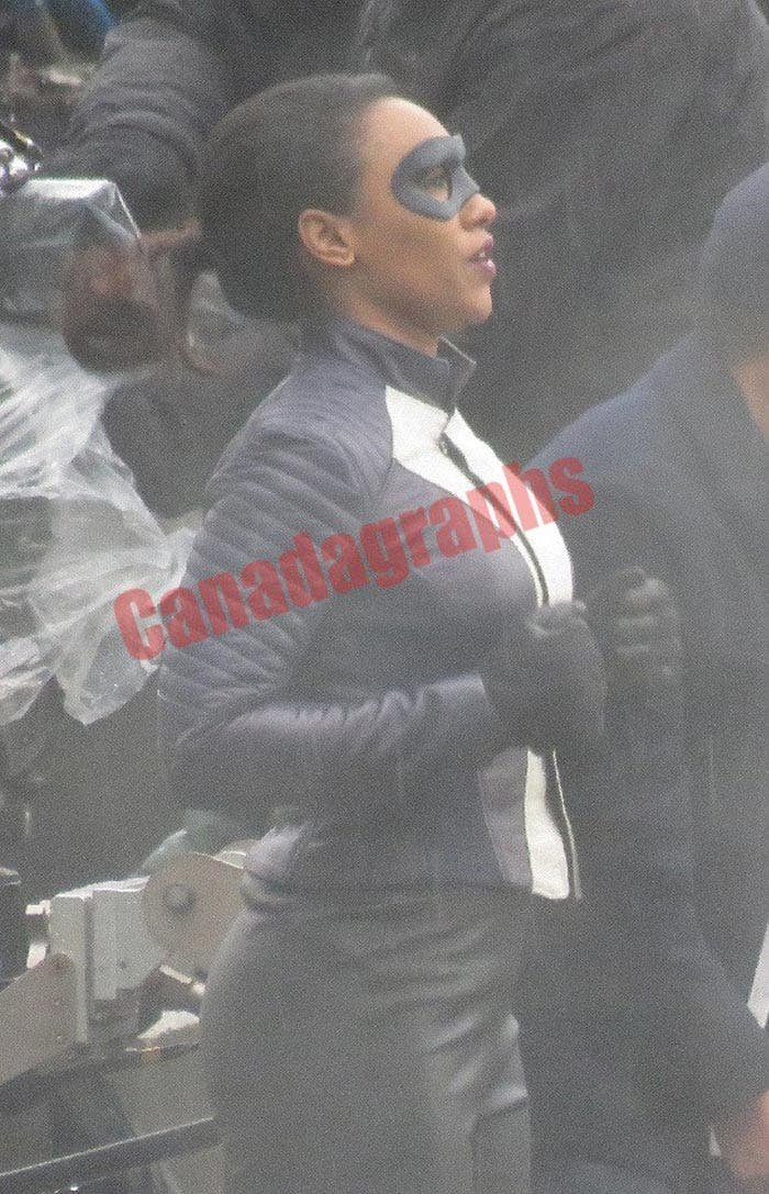 Iris West como superhéroe en la serie The Flash