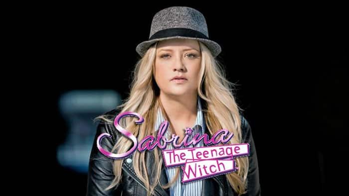 Hilda Spellman en Las escalofriantes aventuras de Sabrina (Netflix)