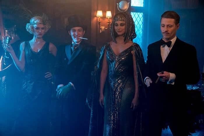Primeras imágenes de Jim Gordon con bigote en la serie de Gotham