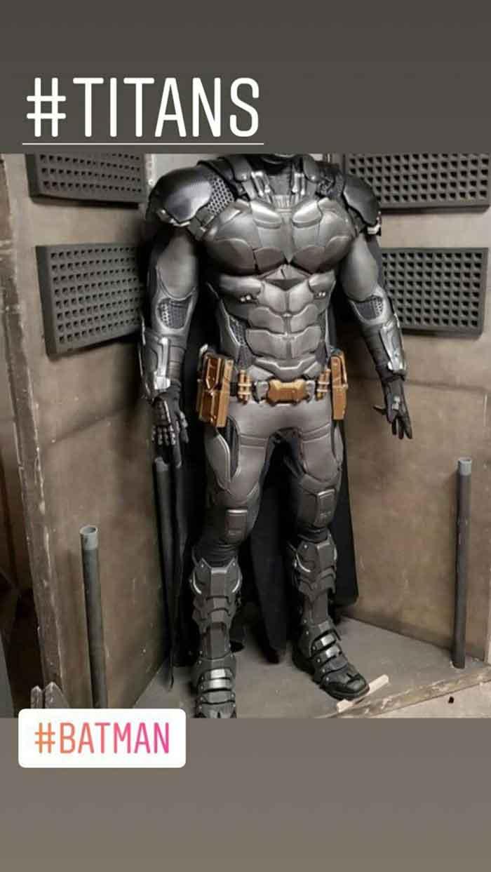 Traje de Batman en la serie de Titans