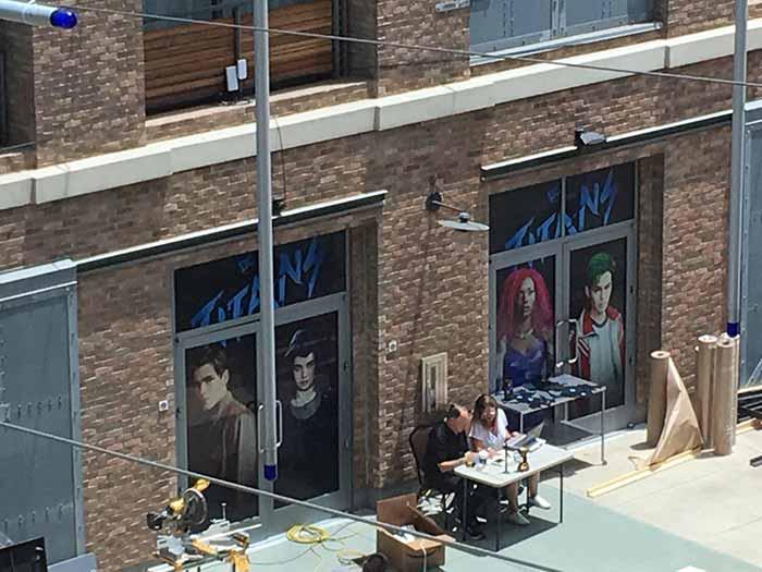 Los carteles de Titans en la Comic Con 2018