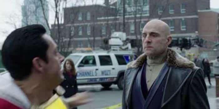 Doctor Sivana (Mark Strong) como villano de Shazam