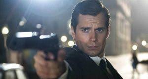 Henry Cavill como James Bond