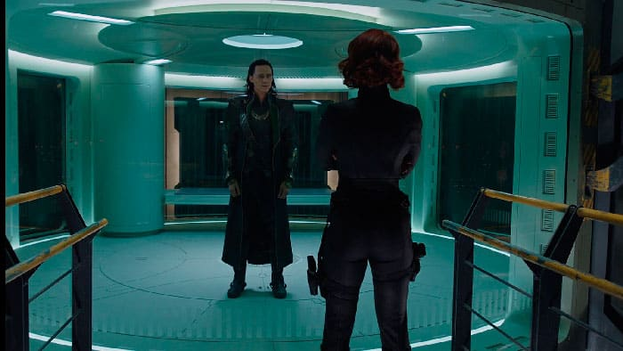 escena interrogatorio Black Widow Loki