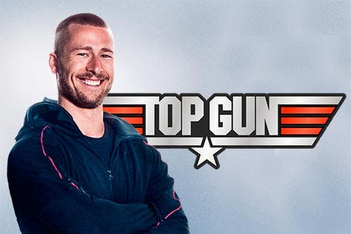 Glen Powell ficha por Top Gun: Maverick