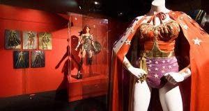Los trajes de Wonder Woman en las películas de superhéroes