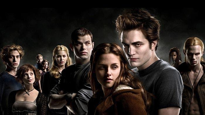 Crepúsculo, con Robert Pattinson y Kristen Stewart