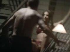 El desnudo de Emily Ratajkowski en Welcome Home