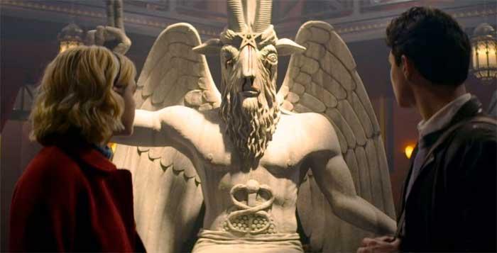 La serie de Sabrina se mete en problemas con un templo Satánico real