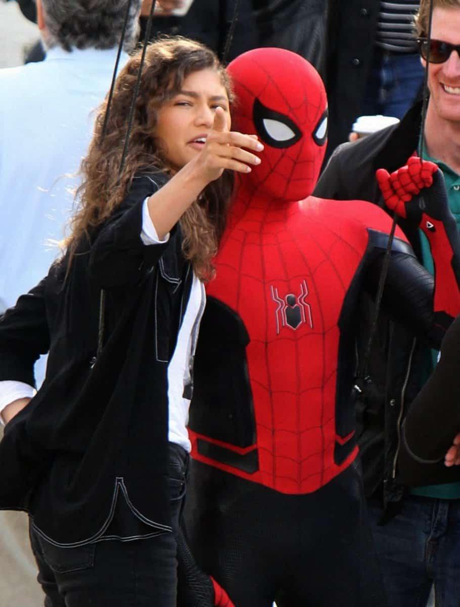 spider-man traje rojo y negro Spider-man: Lejos de casa