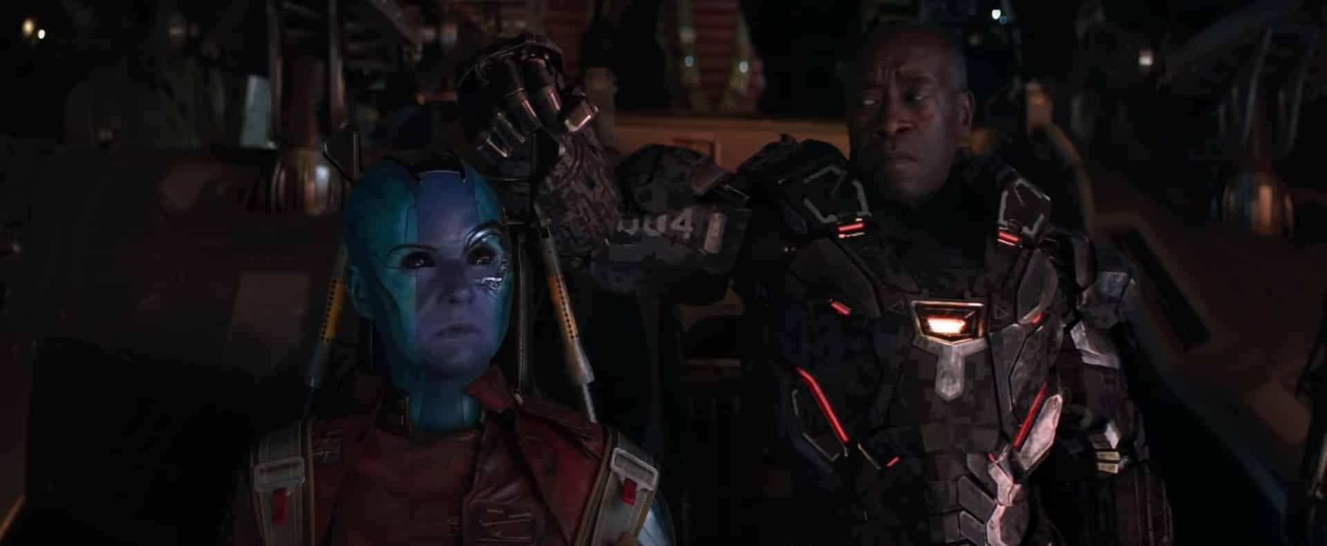 Nebula observa la nave de Thanos