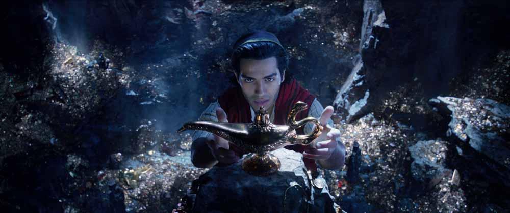 Aladdin arregla los agujeros de guion de la película de animación