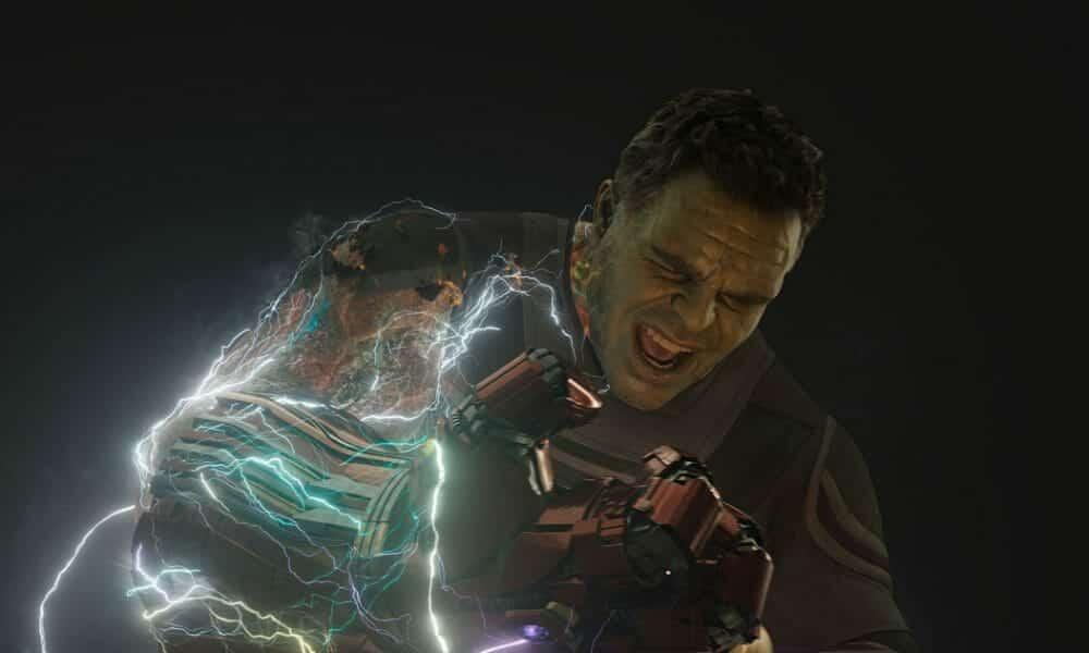 Hulk con el guantelete del infinito en Vengadores: Endgame