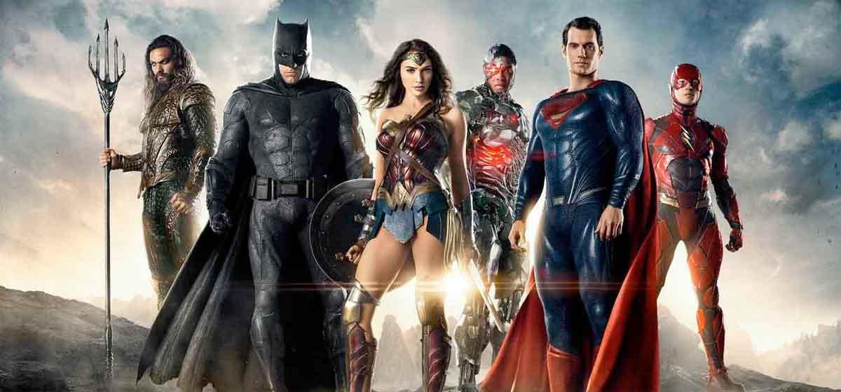 La forma correcta de ver las películas del Universo DC Comics