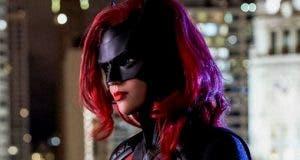 Batwoman revela el primer vistazo a Magpie y Tommy Elliot