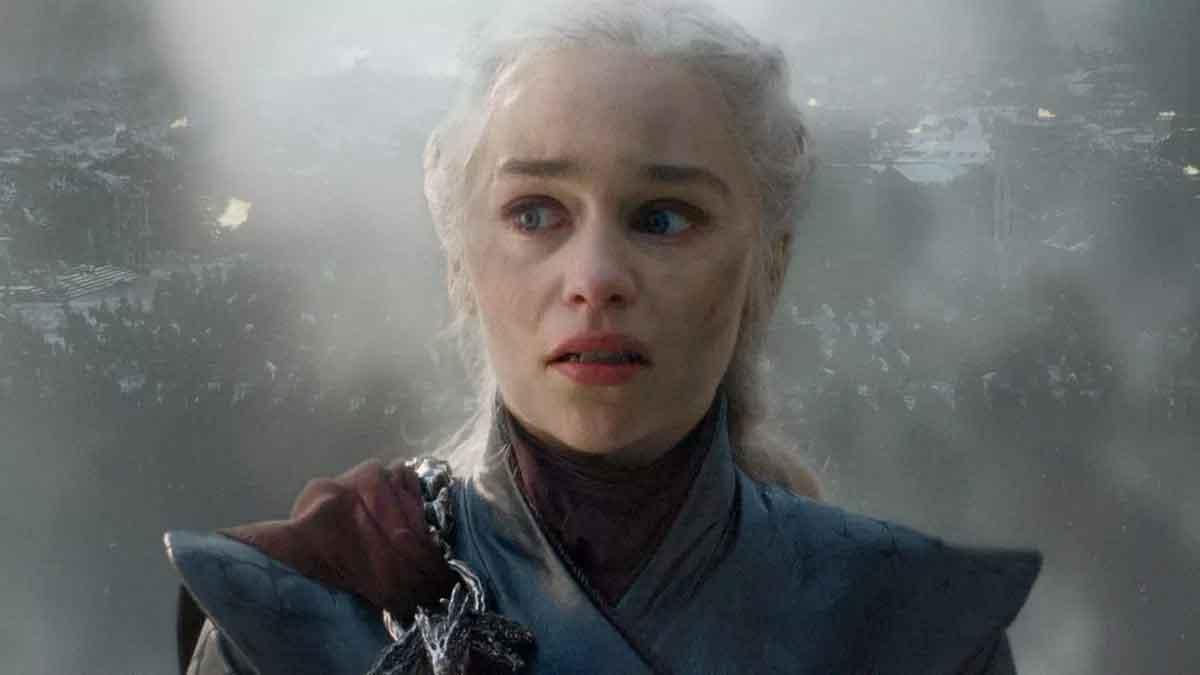 Emilia Clarke revela cuando Daenerys pasó el punto de no retorno