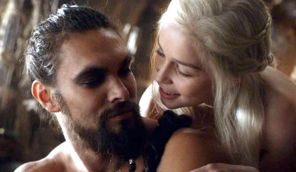 Emilia Clarke se sintió presionada para que saliera desnuda en Juego de Tronos