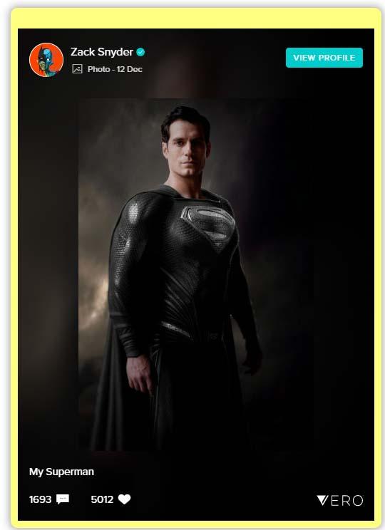 Liga de la justicia: Henry Cavill como Superman con el traje negro