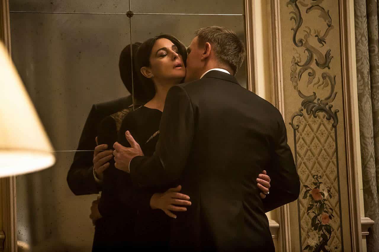 daniel craig y monica bellucci en spectre 007