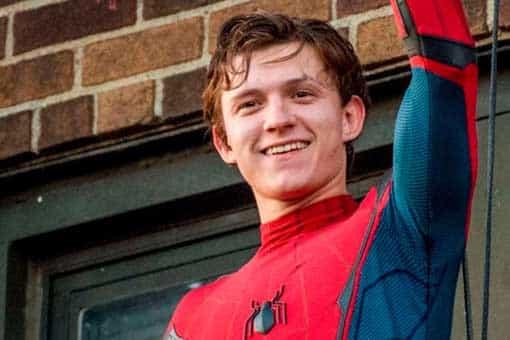 Tom Holland salvó el acuerdo de Spider-Man con una llamada borracho