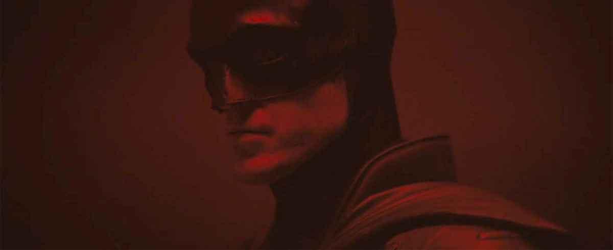 Primera imagen oficial de Robert Pattinson con el traje de Batman