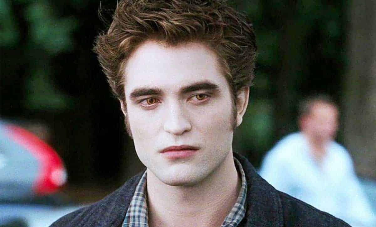Robert Pattinson continúa mostrando su desprecio hacia Crepúsculo