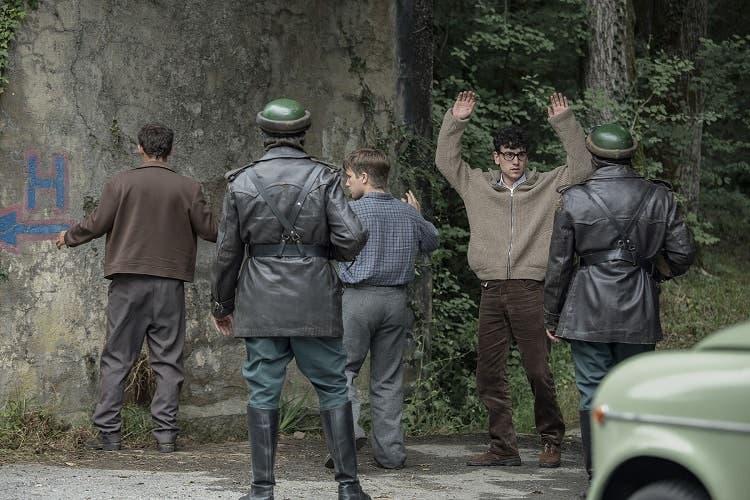 Espectacular miniserie que explica como empezó ETA, aquí os dejamos la crítica de La Línea invisible, con Àlex Monner y Melitón Manzanas.