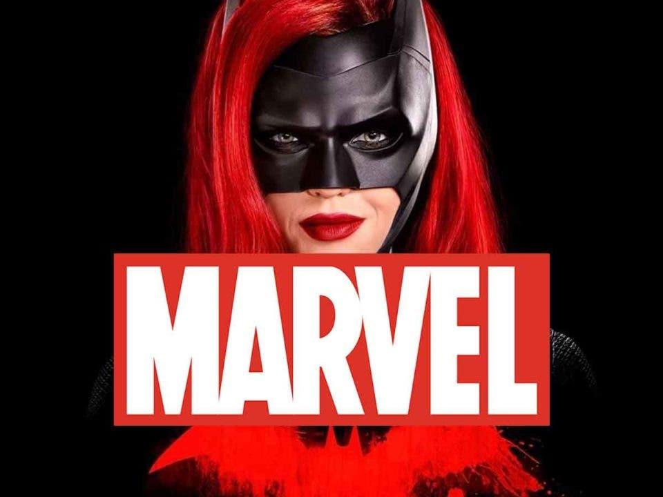 La serie de Batwoman se ríe de un personaje de Marvel