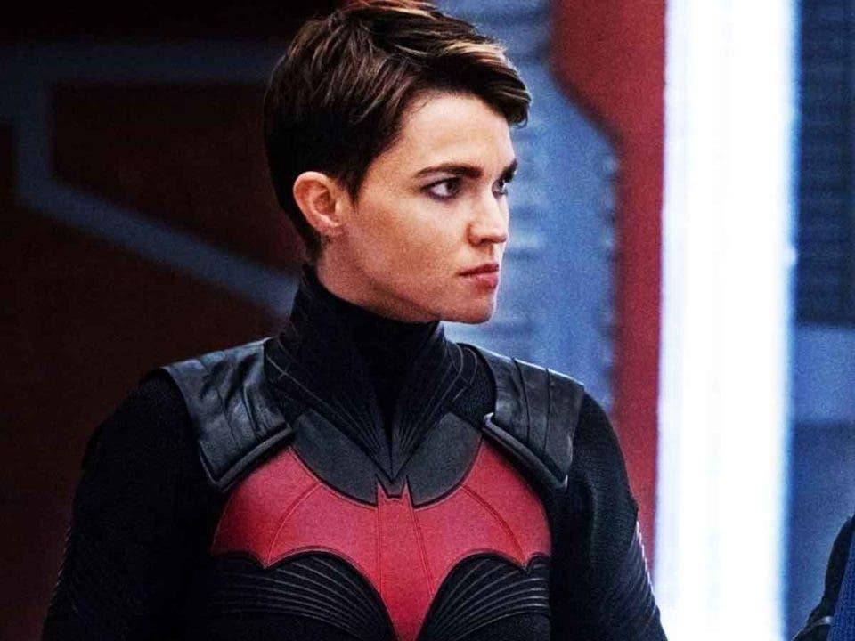 ¡Ruby Rose deja la serie Batwoman!