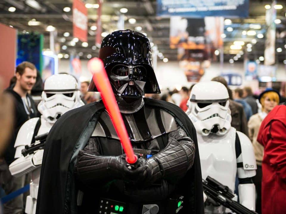 Star Wars Cosplay de Darth Vader y Stormtropper